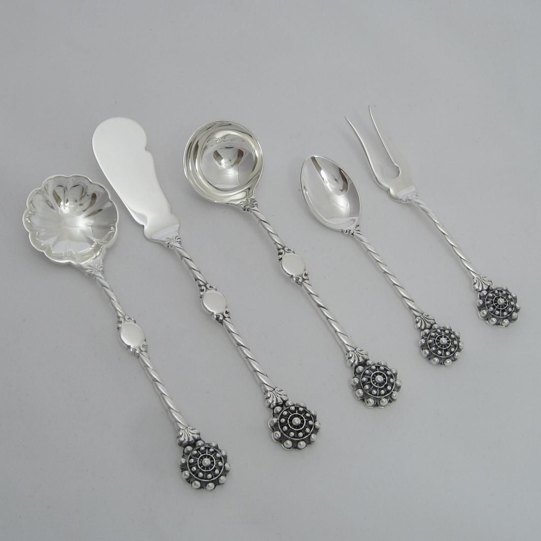 Cubiertos cafe plata modelo boton whiterman plata - Cuberterias de plata precios ...