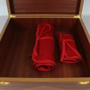Presentación de dos mantas en caja de cubertería