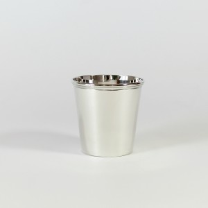 Vaso de plata para niño