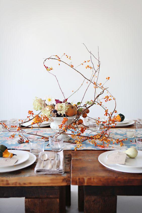 otoño y plata en la mesa